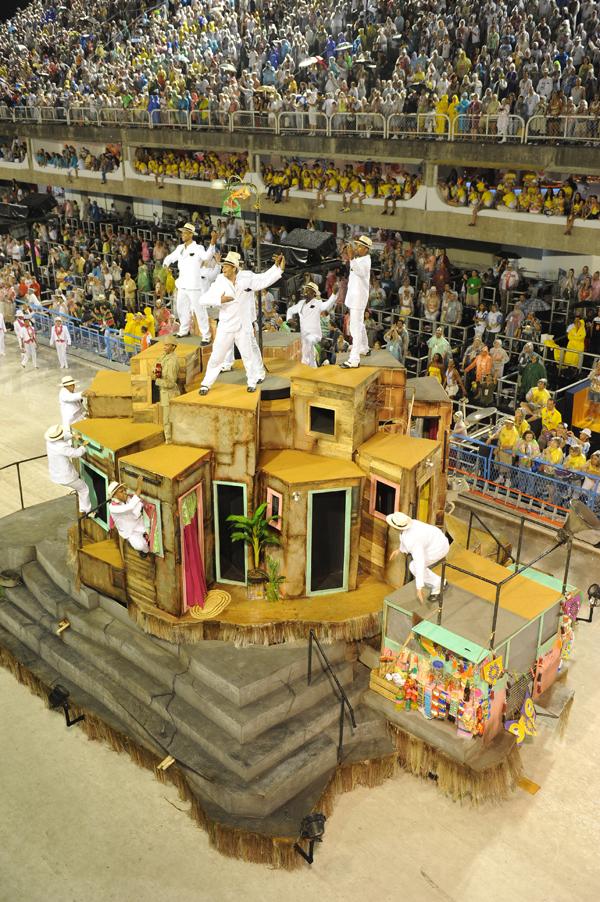 mangueira-float-2011-rio-carnival