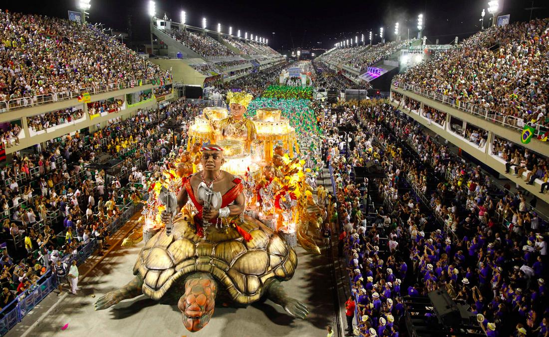 rio-carnival-parade-rehearsals