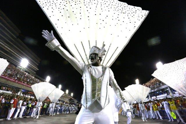 rio-carnival-sambadrome-parade-portela